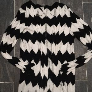 Sweaters - Black and white chevron cardigan